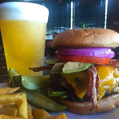 kaliua-pub-and-grill-gourmet-burger-opt3.jpg